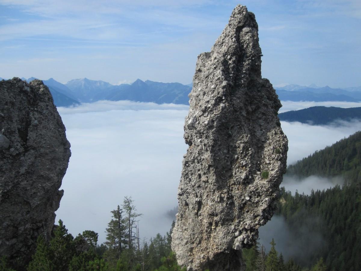 Steinerne Jungfrauen