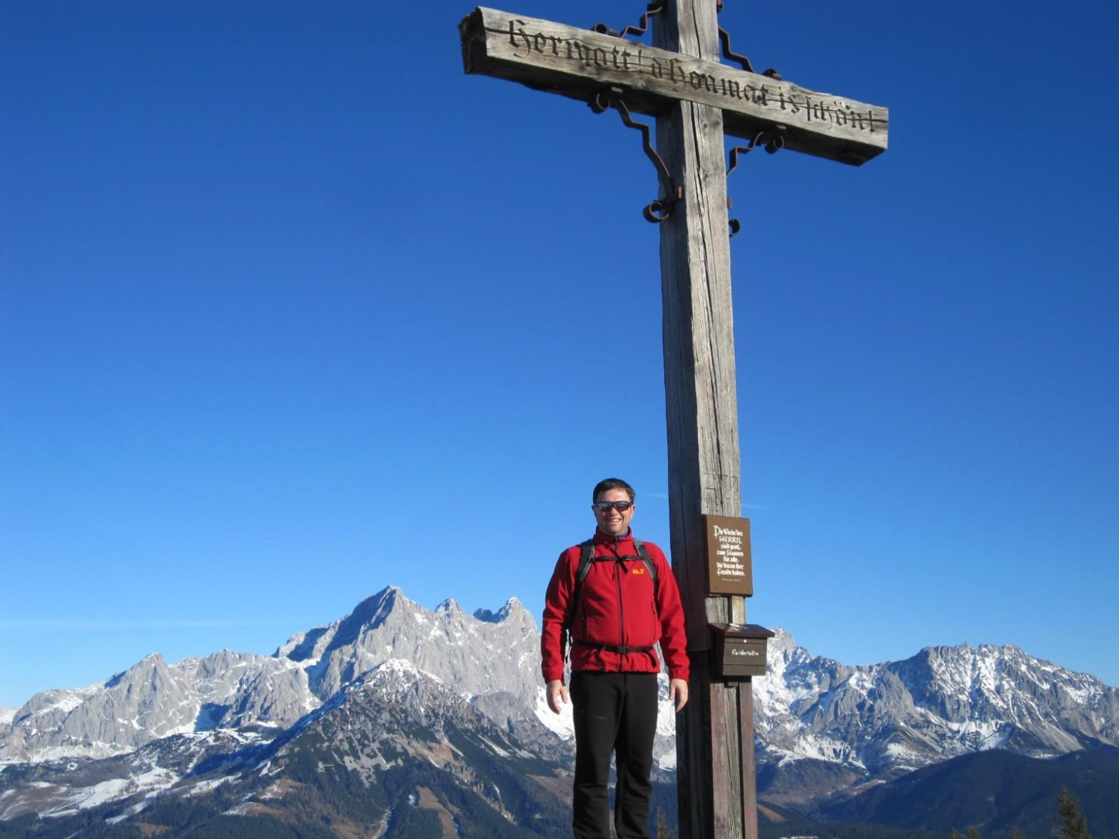 Gipfel Rossbrand, Hintergrund: Dachstein