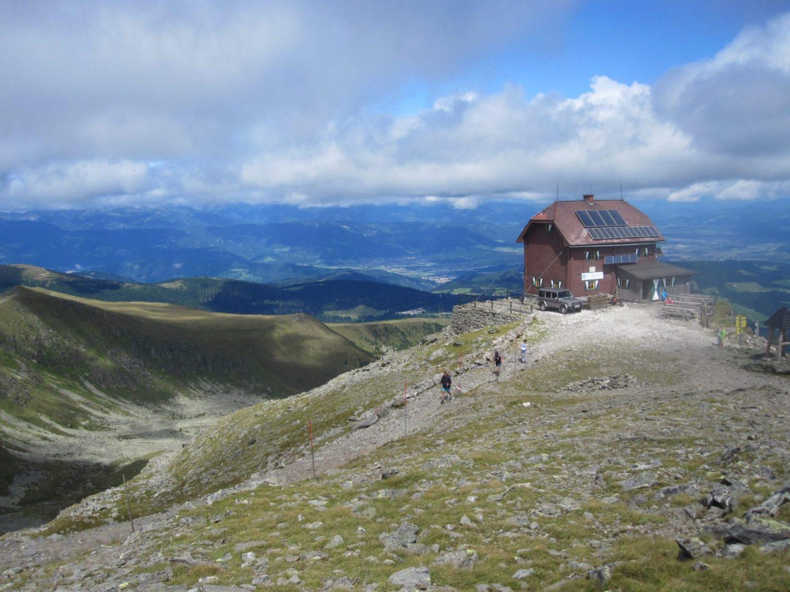 Zirbitzkogelhaus vom Gipfel